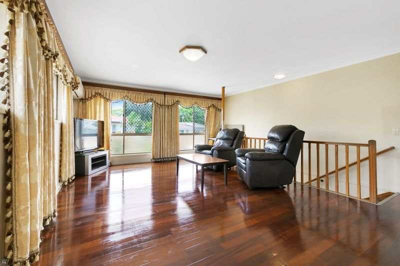 9 Ravenala Street, Sunnybank Hills QLD 4109, Image 2