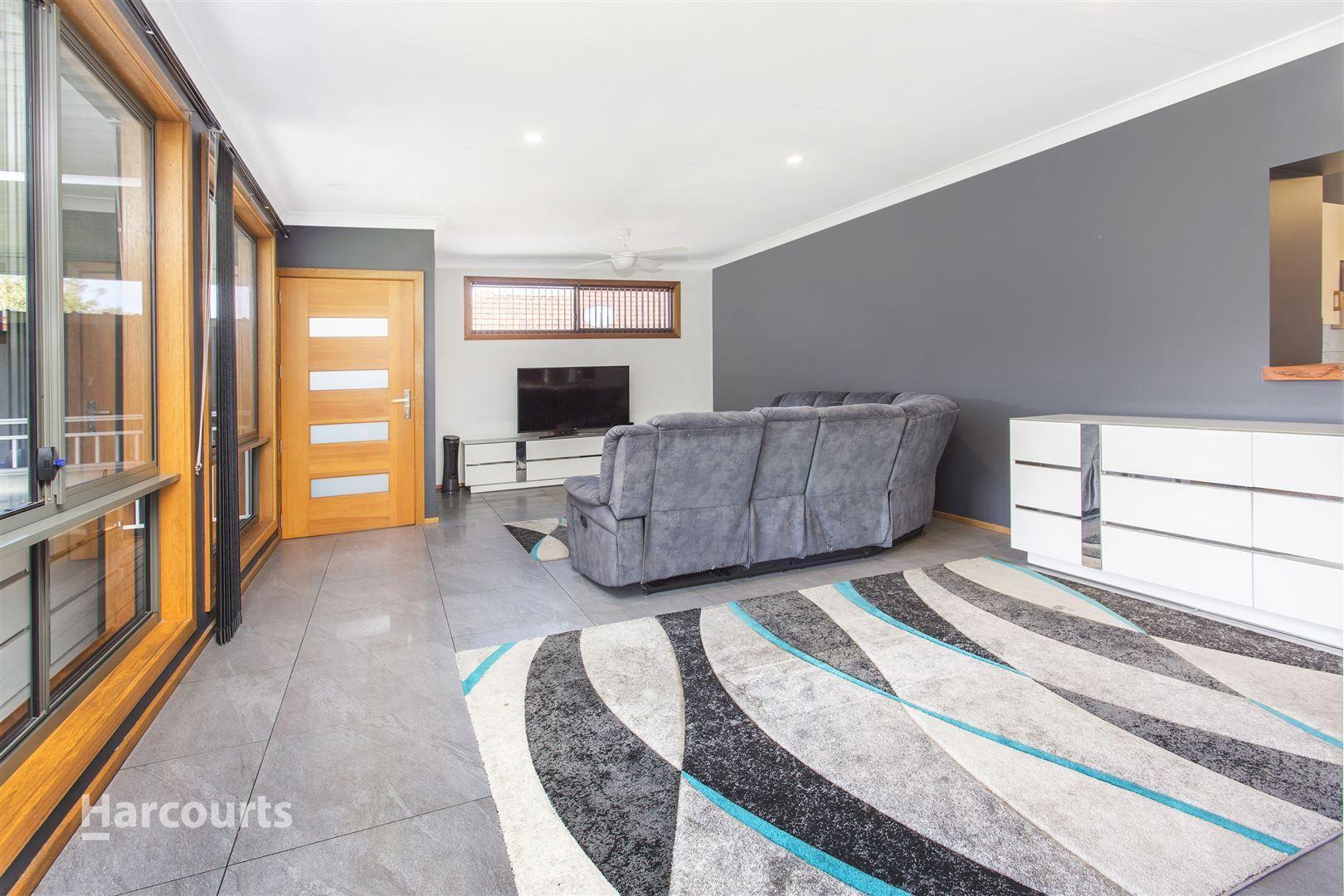 7 Churchill Avenue, Warrawong NSW 2502, Image 2