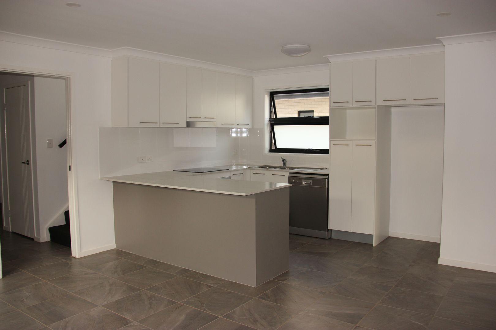 1/205 Jellicoe Street, Newtown QLD 4350, Image 1