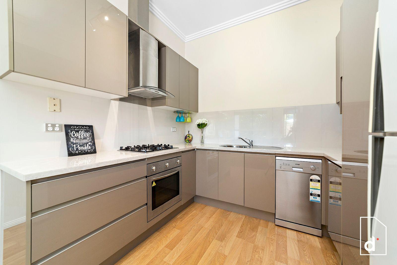 2/10 Coolgardie Street, East Corrimal NSW 2518, Image 1