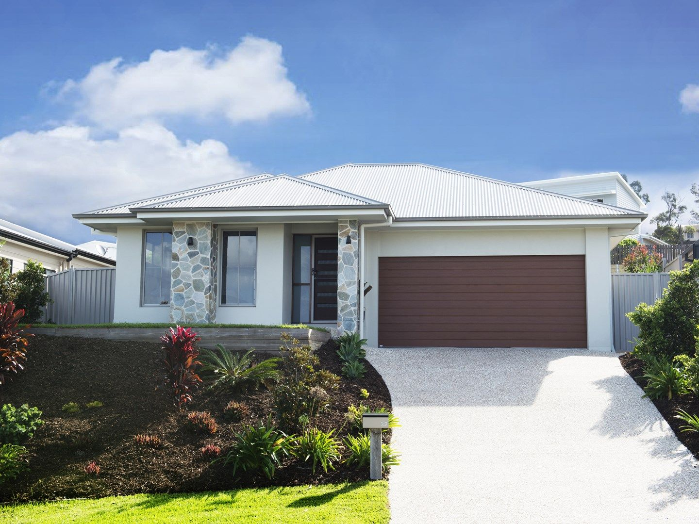 32 Sapphire Place, Elanora QLD 4221, Image 0