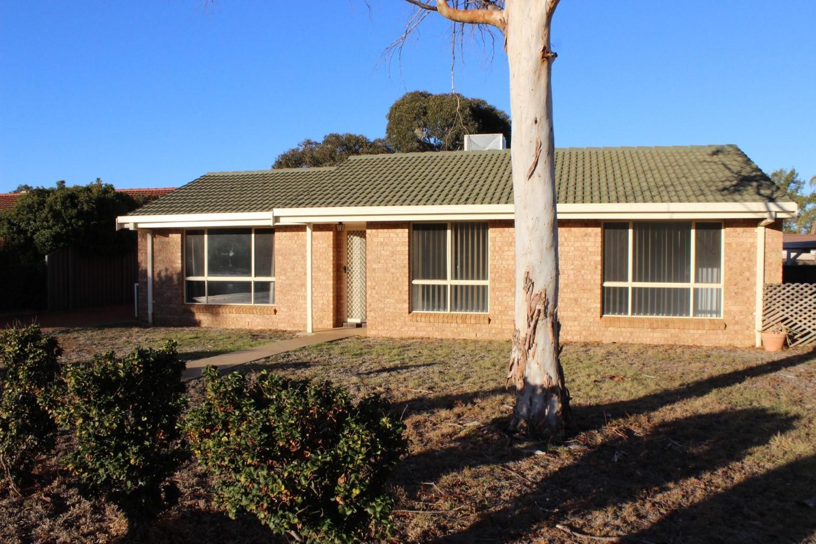 3 Giles Court, Dubbo NSW 2830, Image 0