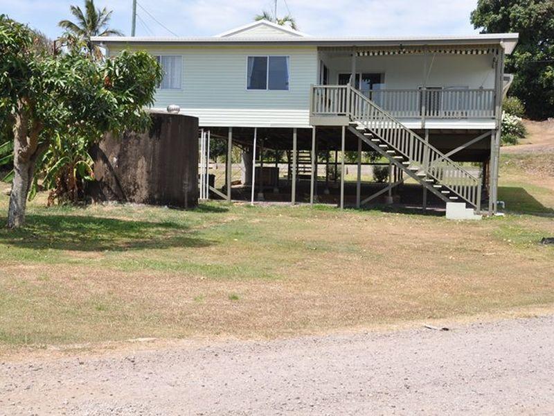 2 Ferries Terrace, Sarina Beach QLD 4737, Image 0