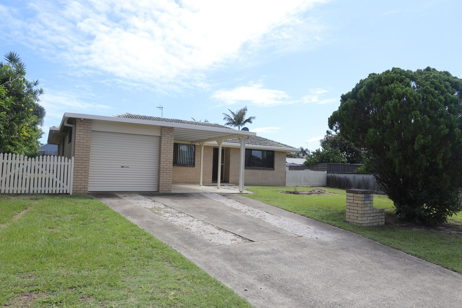 3 Seahawk Crescent, Burleigh Waters QLD 4220, Image 2