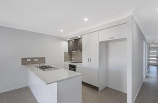 Picture of 2/13 Arburry Crescent, Brassall QLD 4305