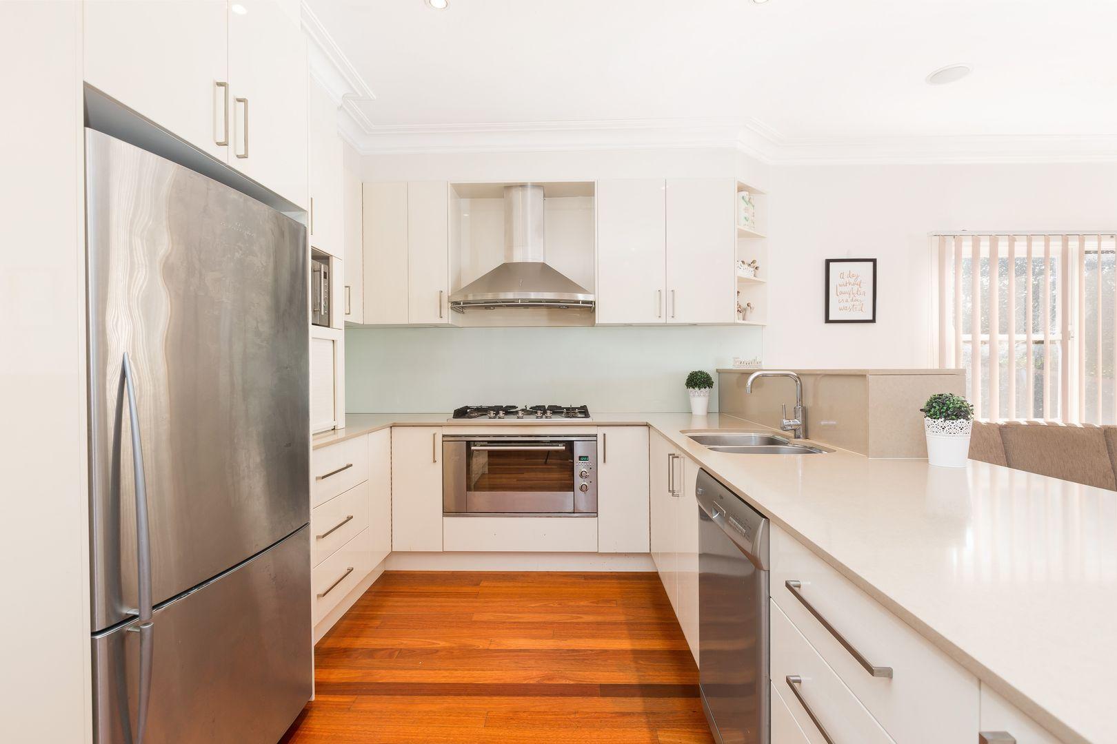32 Saunders Bay Road, Caringbah South NSW 2229, Image 2