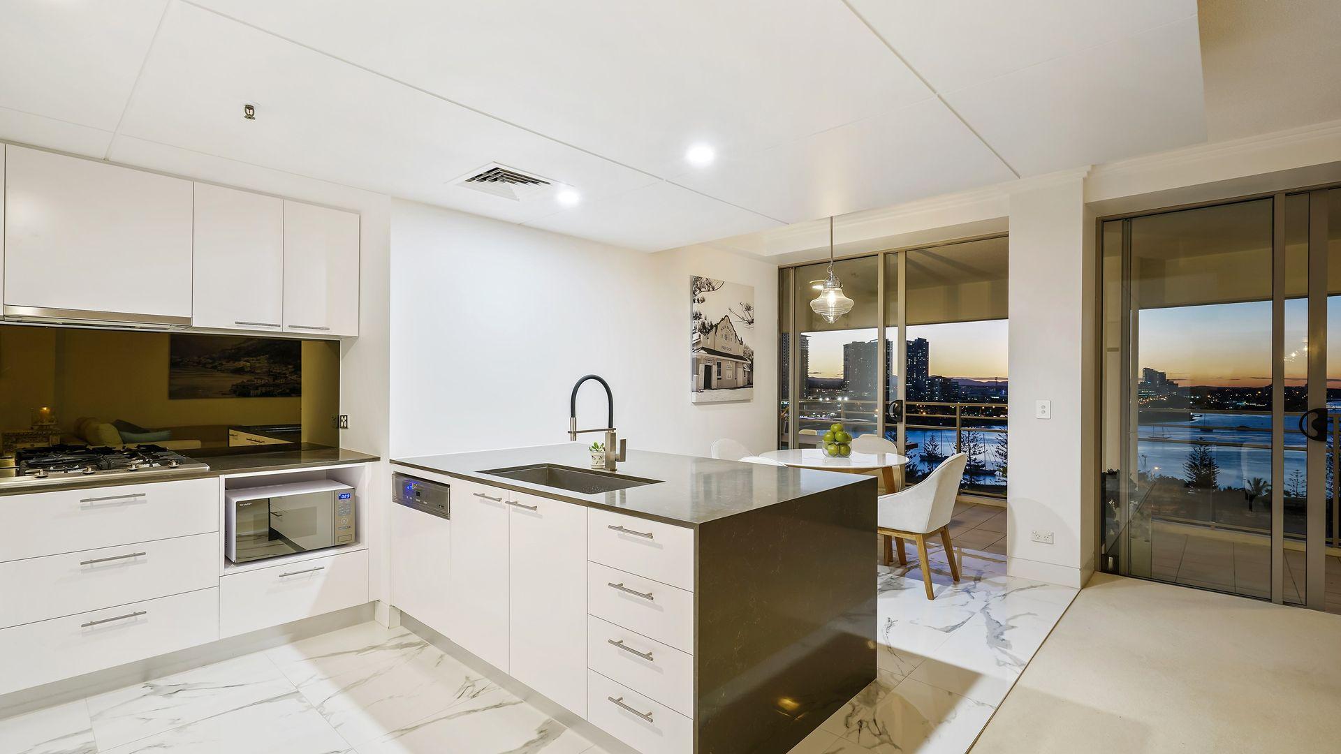 2113/1 Lennie Avenue, Main Beach QLD 4217, Image 2