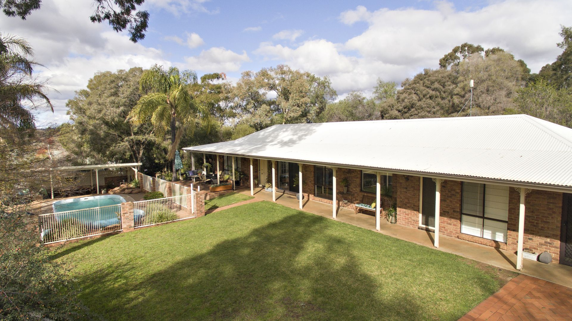 14 Pine Knoll  Drive, Dubbo NSW 2830, Image 0
