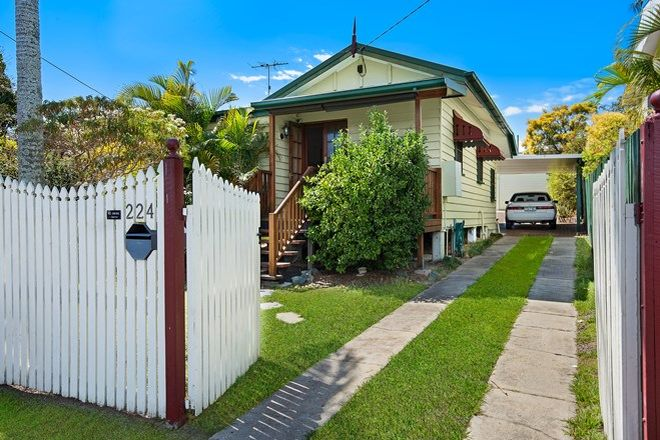 Picture of 224 Scarborough Road, SCARBOROUGH QLD 4020