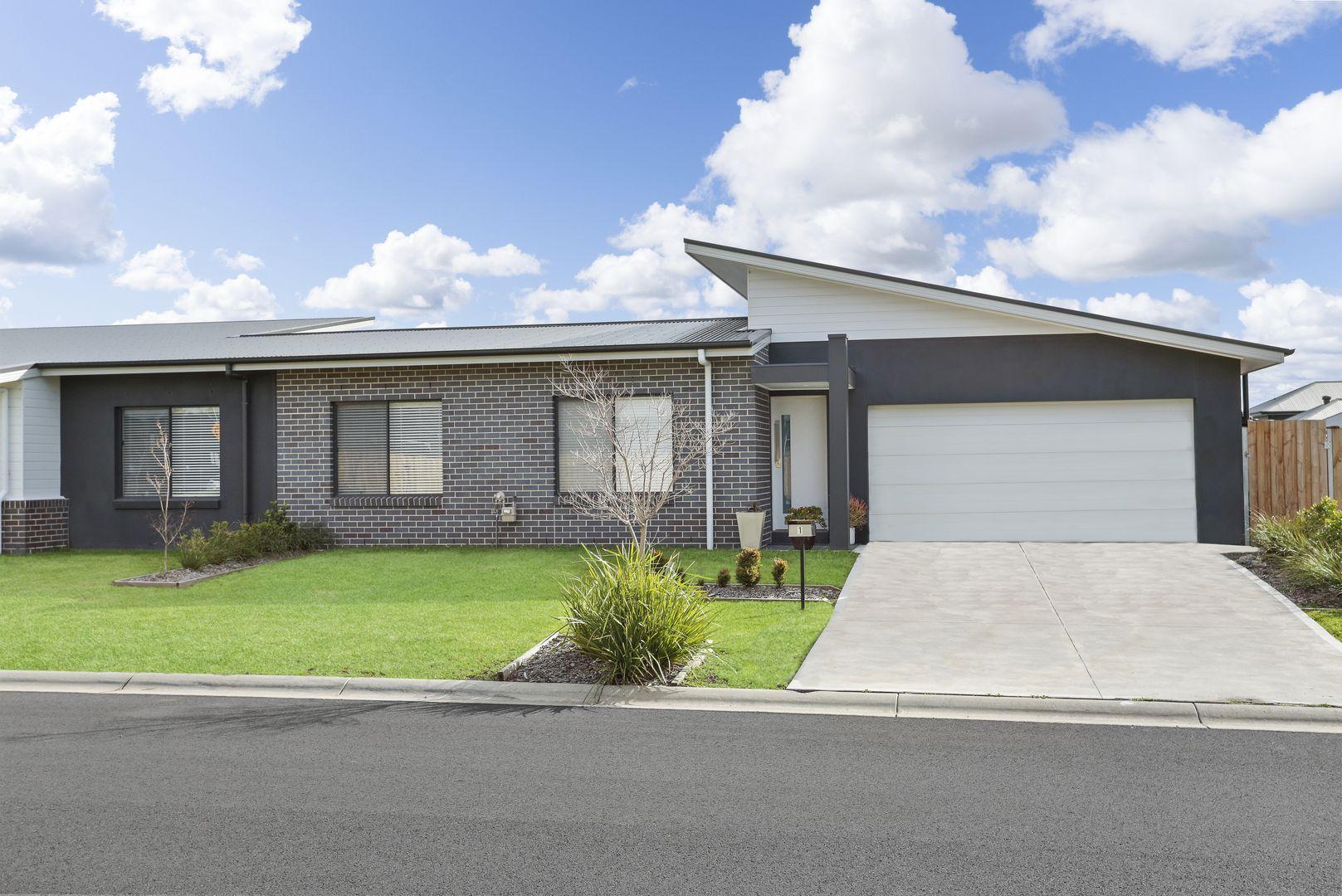 1 Spotwing Close, Chisholm NSW 2322, Image 0