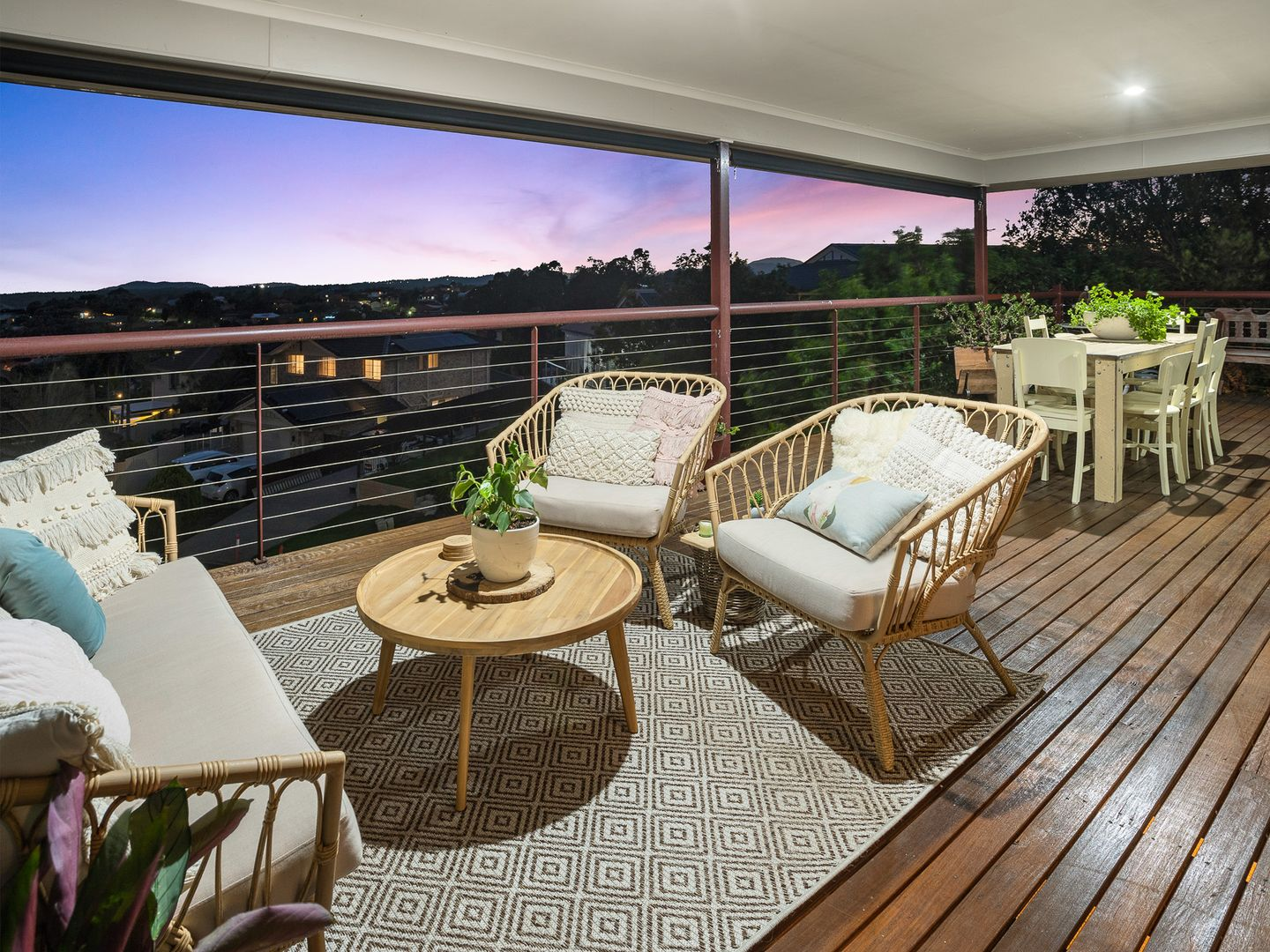 16 Sylvia Court, Eatons Hill QLD 4037, Image 2
