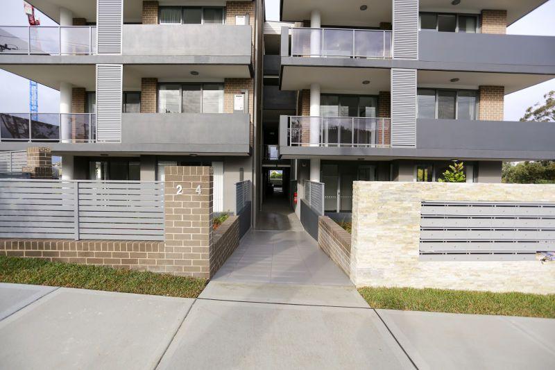5/2-4 Belinda Place, Mays Hill NSW 2145, Image 1