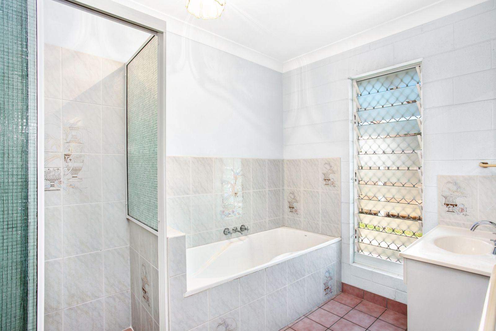 51 Brooks Street, Railway Estate QLD 4810, Image 6