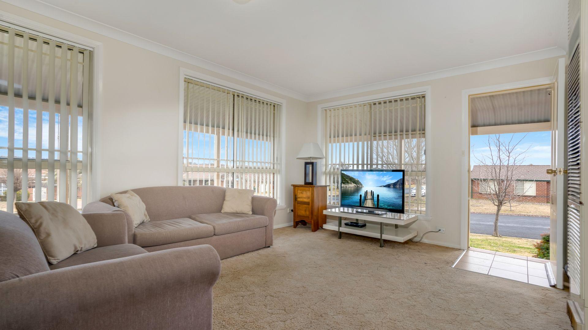 1/10 Turner Crescent, Orange NSW 2800, Image 2