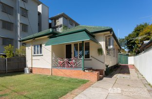 Picture of 7 Jeffrey Street, Redcliffe QLD 4020