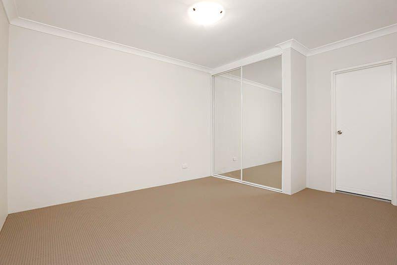 11/8 Gibbs Street, Miranda NSW 2228, Image 1