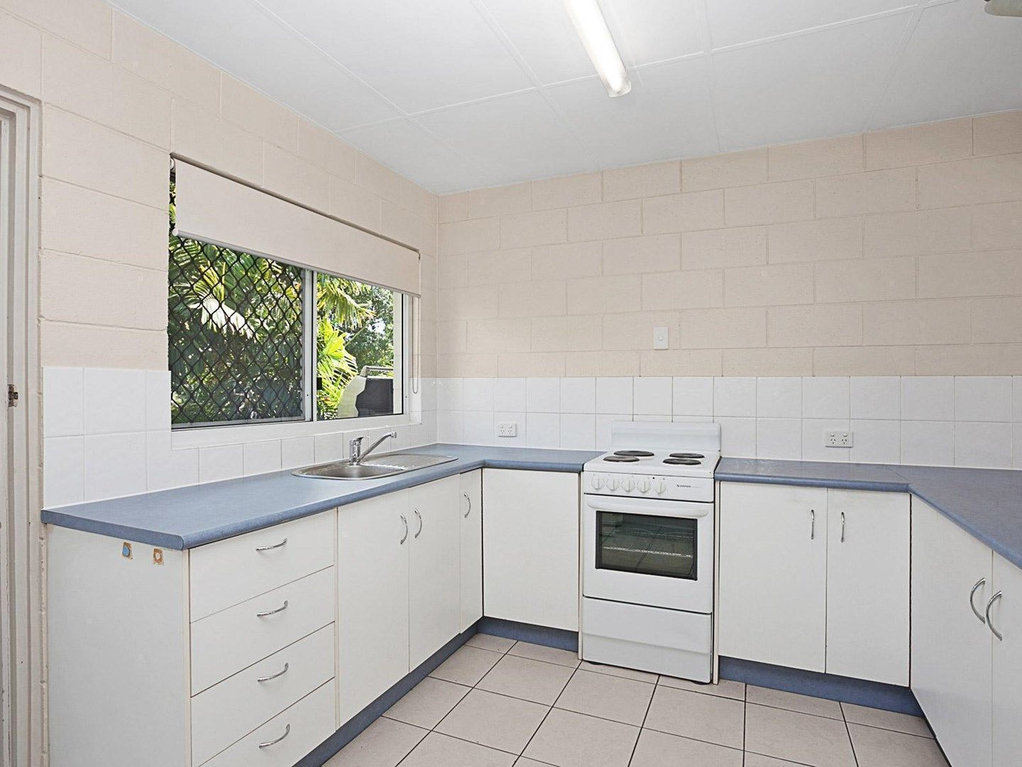 4/39 Armstrong Street, Hermit Park QLD 4812, Image 0