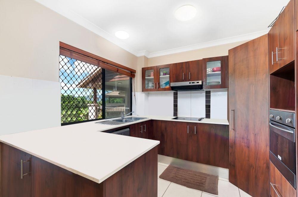 9/1-15 Robson Street, Mooroobool QLD 4870, Image 1