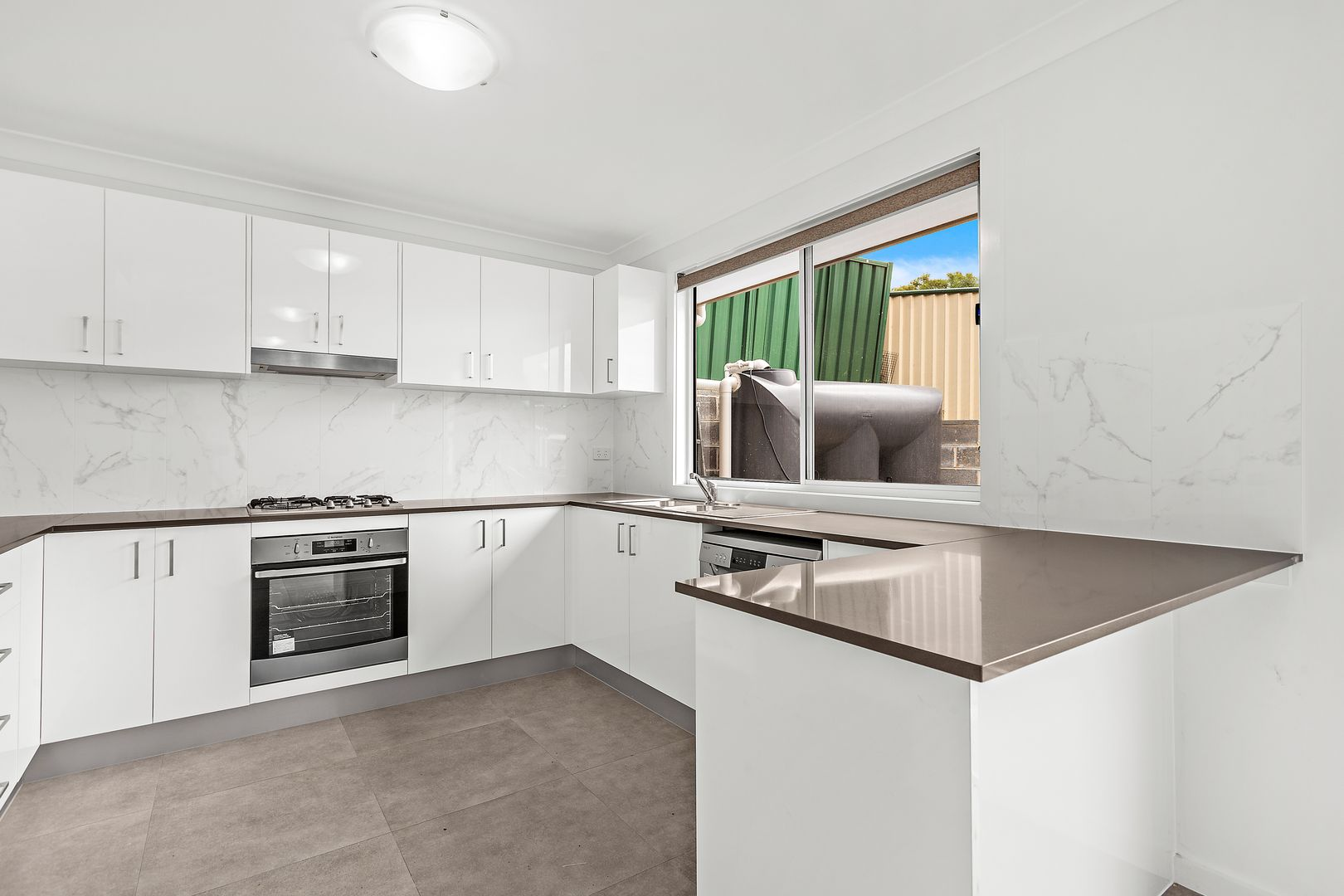 2/55 Stanleigh Crescent, West Wollongong NSW 2500, Image 0