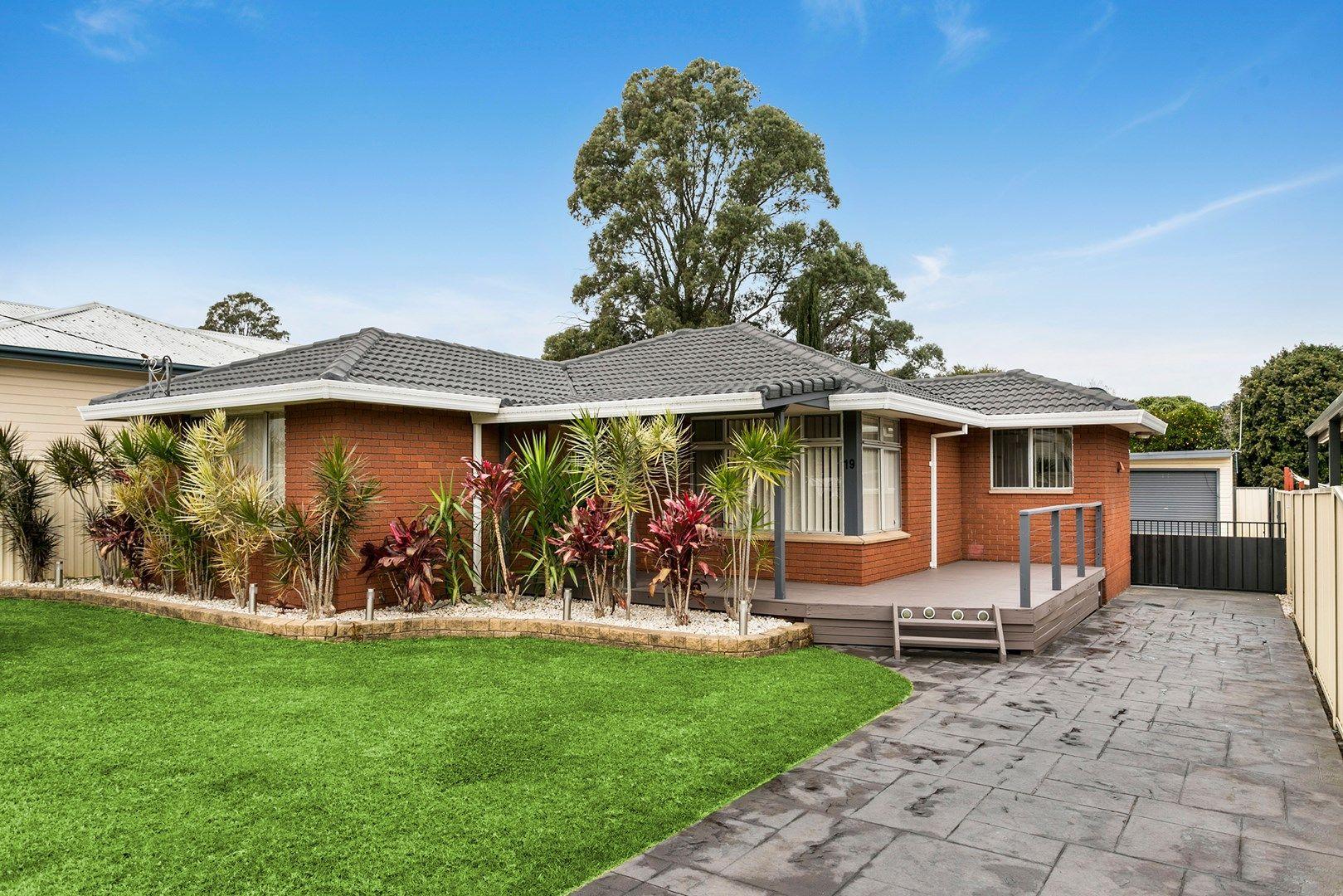 19 Hopetoun Street, Oak Flats NSW 2529, Image 0