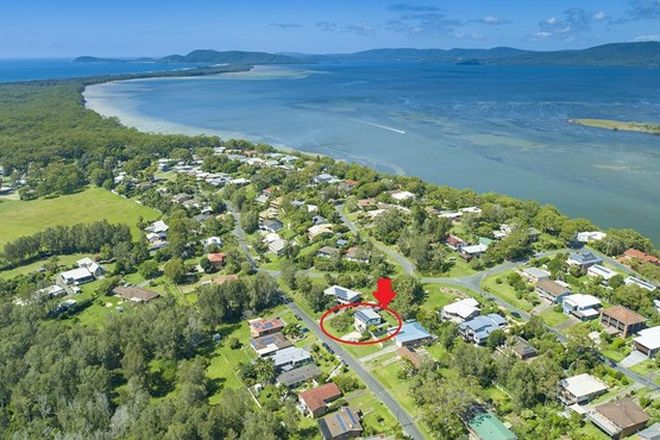 Picture of 53 Seabreeze Parade, GREEN POINT NSW 2428