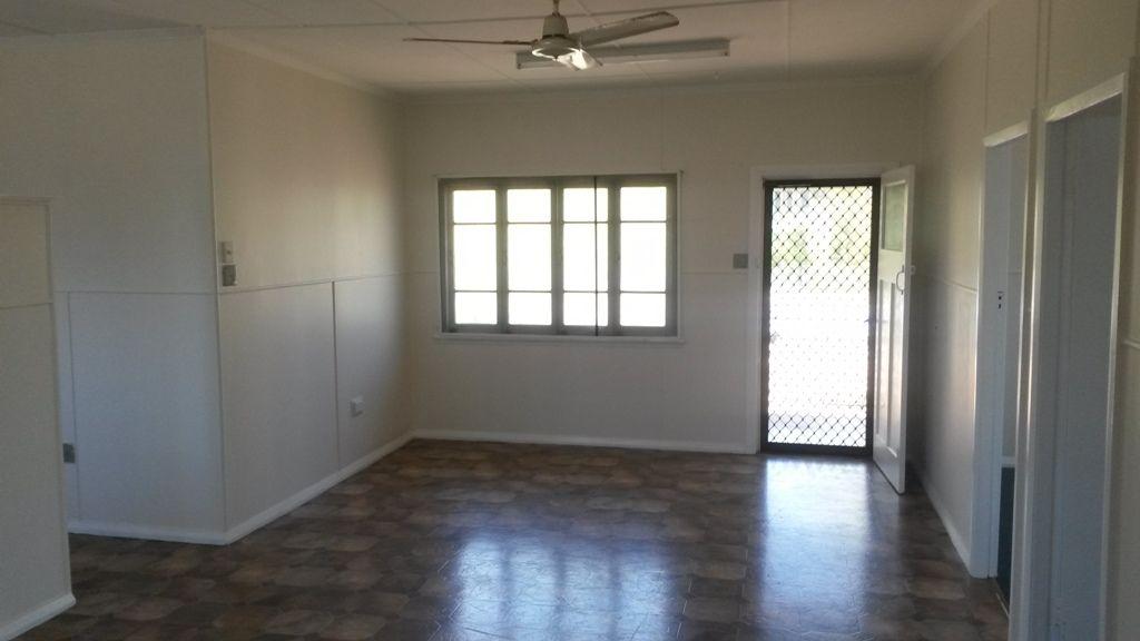 1/12 Thomas Street, Mossman QLD 4873, Image 2