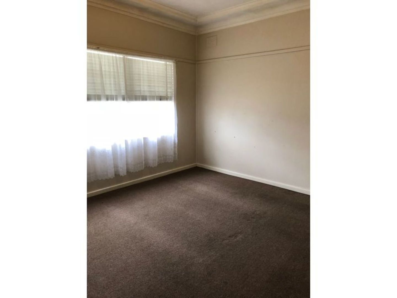 43 Hoddle Avenue, Bradbury NSW 2560, Image 1