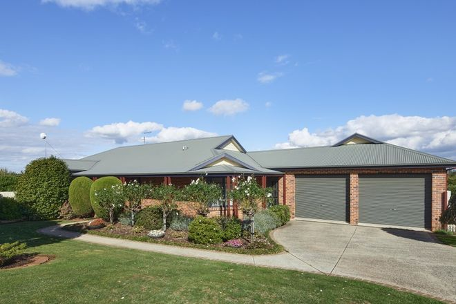 Picture of 8 Hakea Court, DROUIN VIC 3818