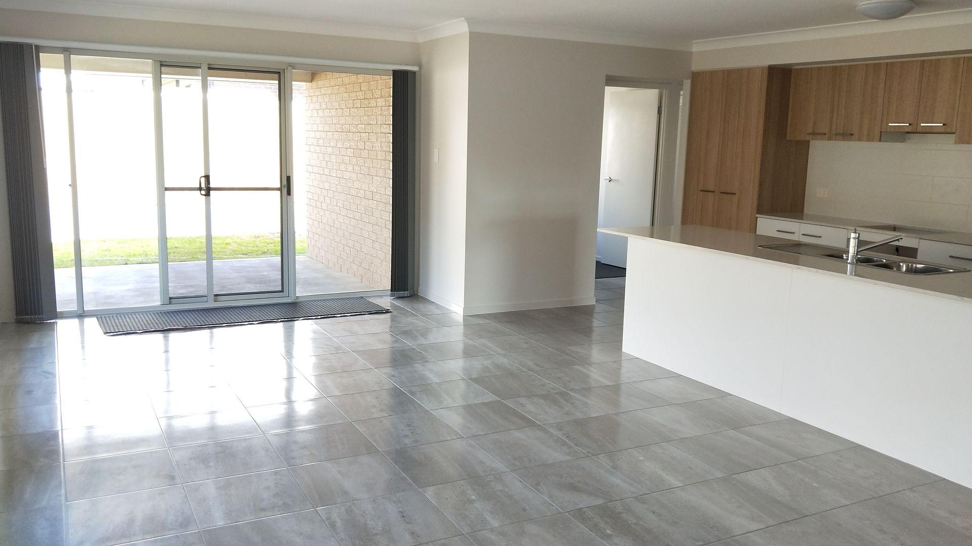 61 Barr Promenade, Thornton NSW 2322, Image 2