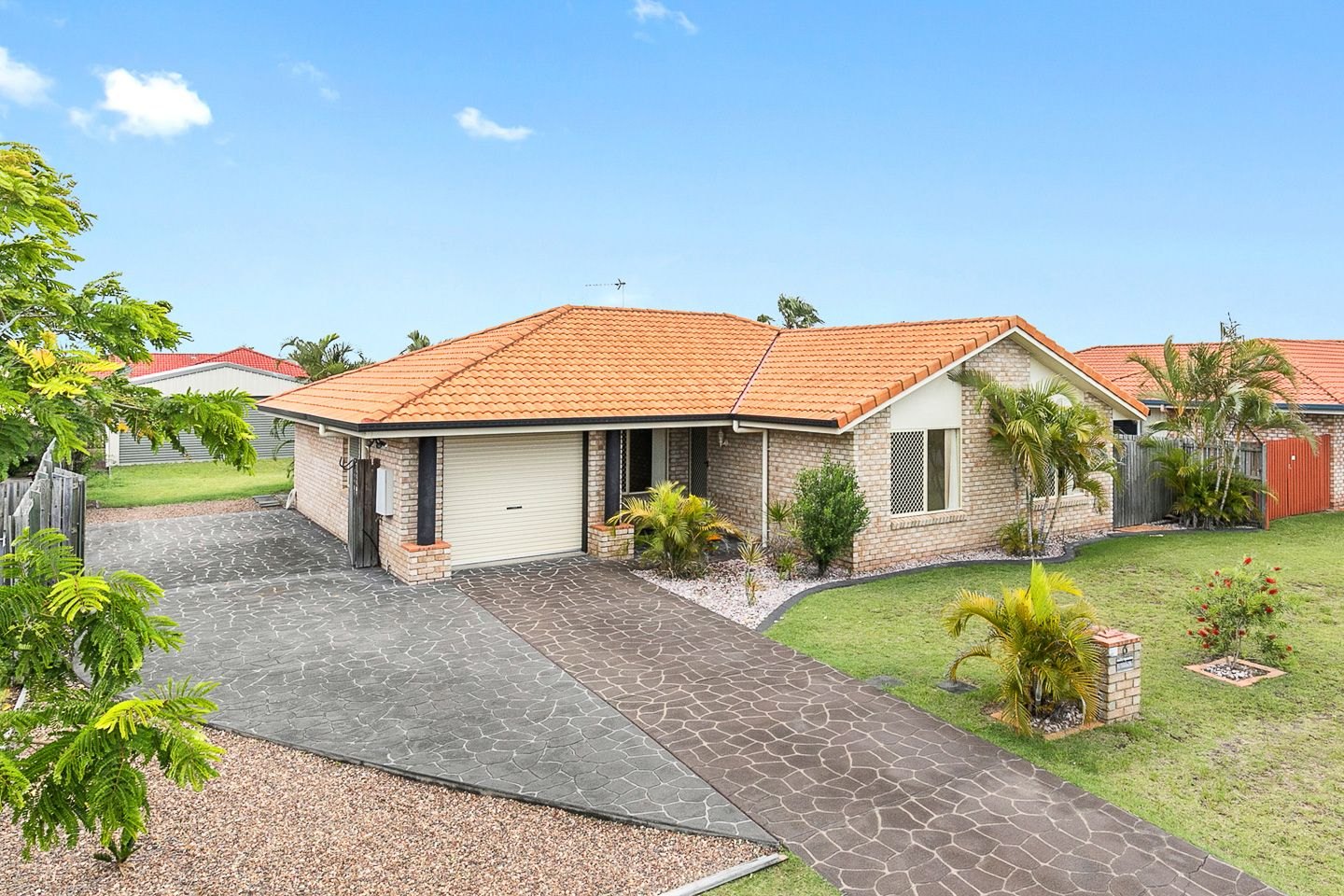 6 Kestrel Court, Eli Waters QLD 4655, Image 1