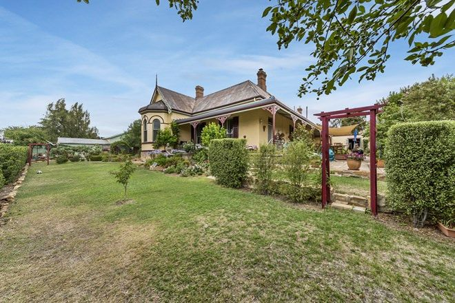 Picture of 17 Hovell Street, GOULBURN NSW 2580