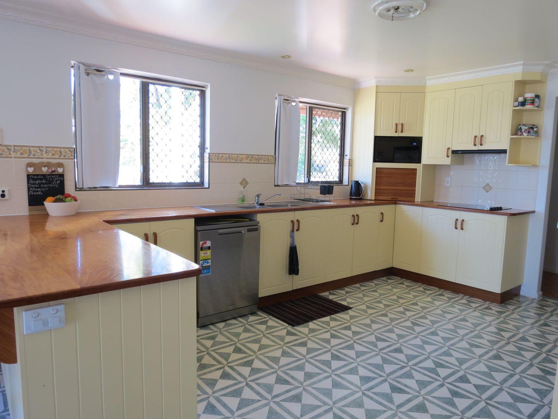 8 Martin Place, Emerald QLD 4720, Image 1