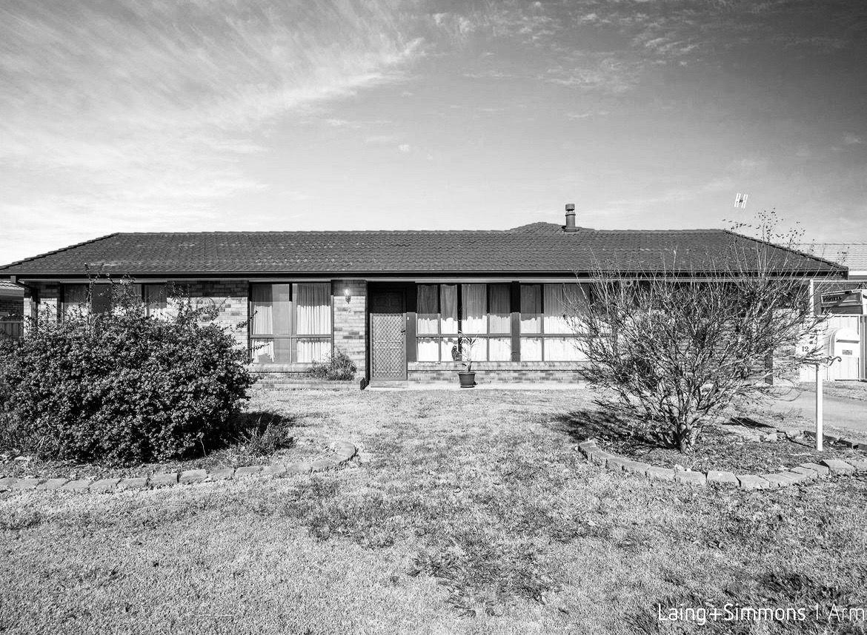 12 Centennial Close, Armidale NSW 2350, Image 0