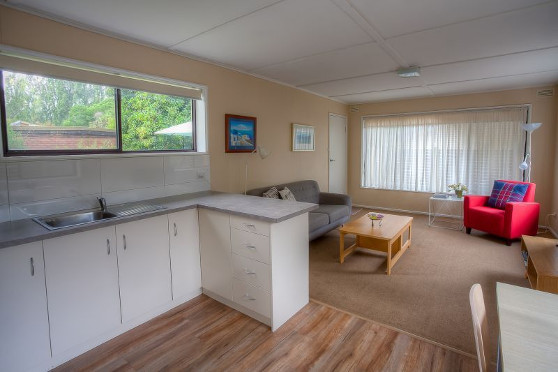2/28 Showers Avenue, Bright VIC 3741, Image 1