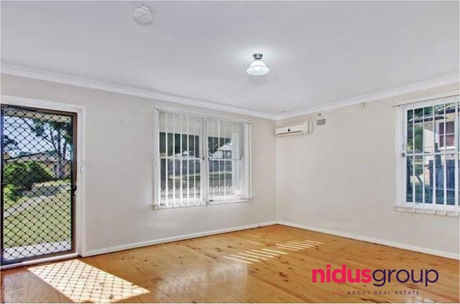 30 Luzon Avenue, Lethbridge Park NSW 2770, Image 2