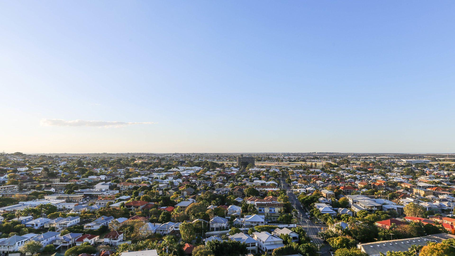 11902/8 Harbour Road, Hamilton QLD 4007, Image 2