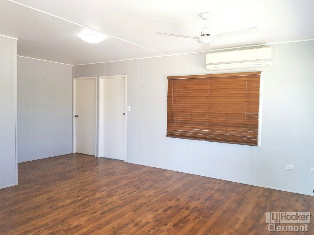 9 Karmoo Street, Clermont QLD 4721, Image 2