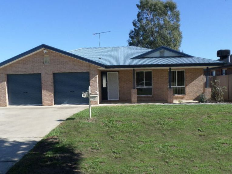 Glenfield Park NSW 2650, Image 0