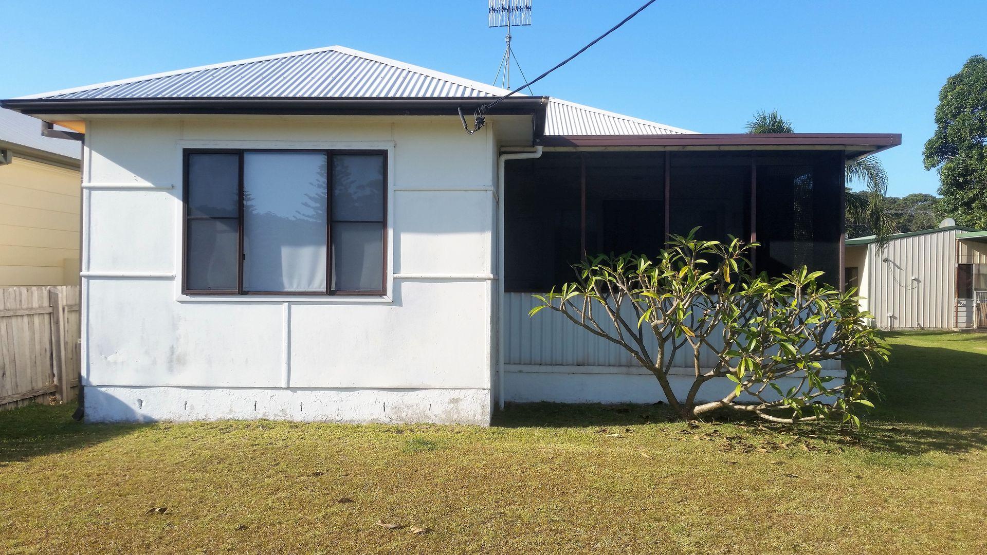 16 Queanbeyan Avenue, Burrill Lake NSW 2539, Image 1