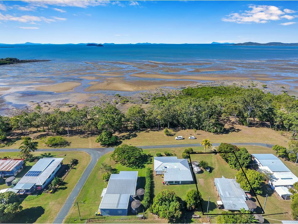 3 Repulse Esplanade, St Helens Beach QLD 4798, Image 0