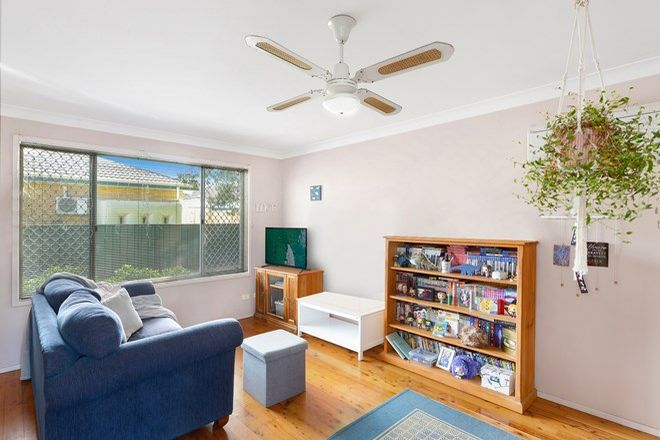 Picture of 4/10 Owen Park Road, BELLAMBI NSW 2518