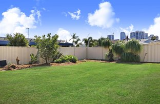 39 Surfers Avenue, Mermaid Waters QLD 4218