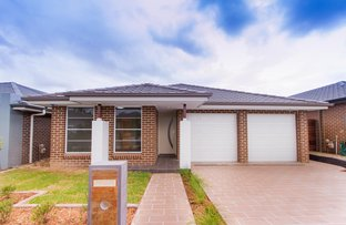 Picture of 33 Tengala Drive, Jordan Springs NSW 2747