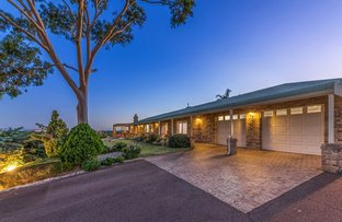 Picture of 4 Rangeview Place, Canning Vale WA 6155
