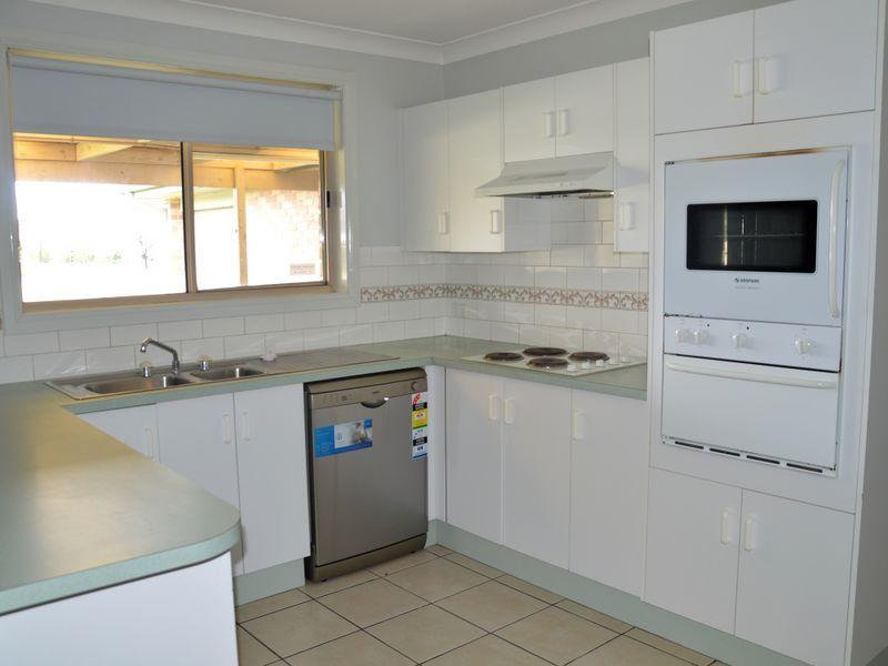 11 Allen Court, Singleton NSW 2330, Image 2