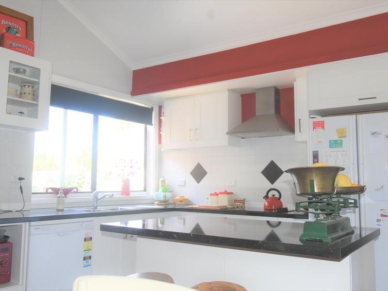 25-27 Queen Street, Barmedman NSW 2668, Image 2