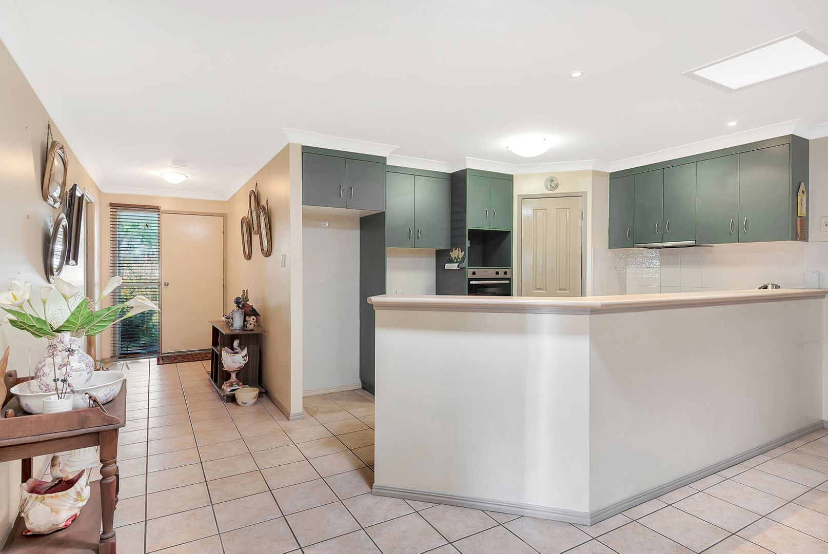10 Lee Court, Crows Nest QLD 4355, Image 2