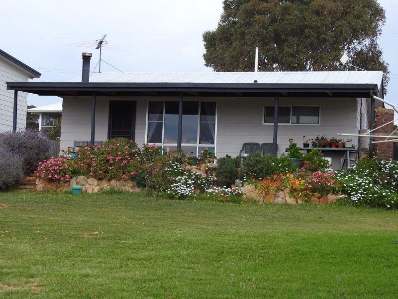 6 Hawthorn Avenue, Emu Bay SA 5223, Image 1