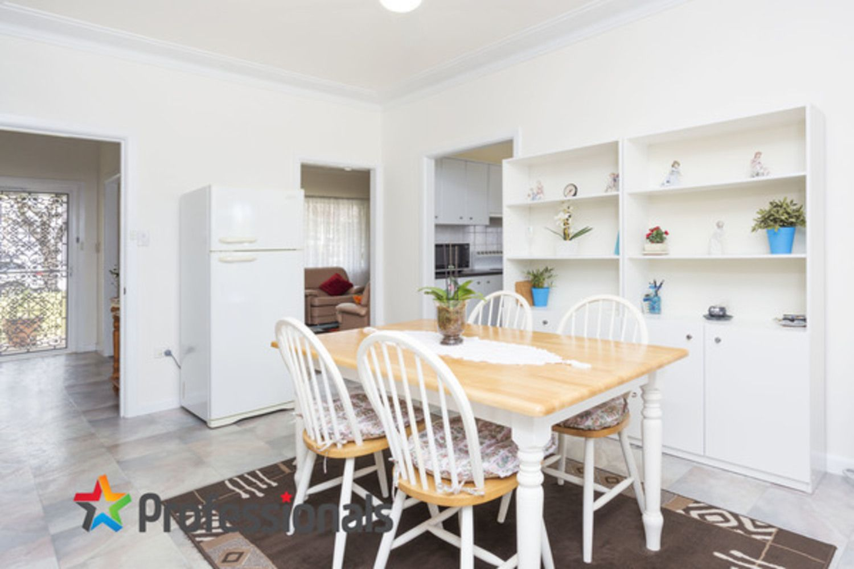 25 Ronald Street, Padstow NSW 2211, Image 2