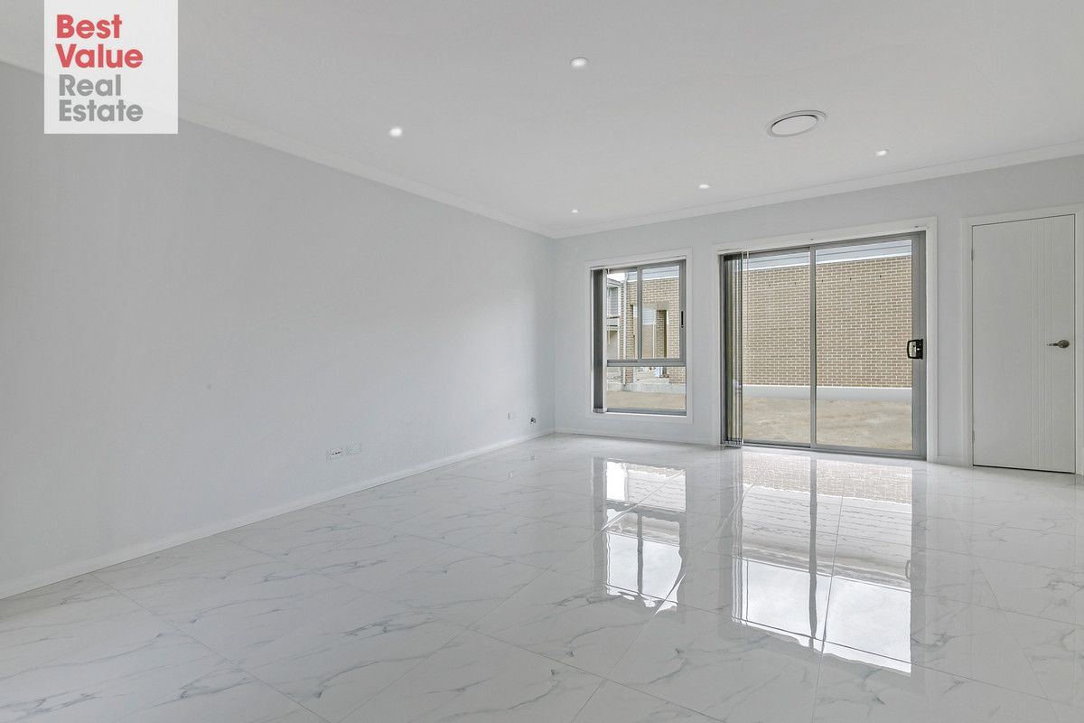 4/27-31 Canberra Street, Oxley Park NSW 2760, Image 2